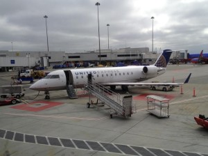 CRJ-200 N910WS